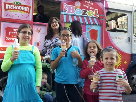 Kosher Chalav Yisroel Ice Cream Truck