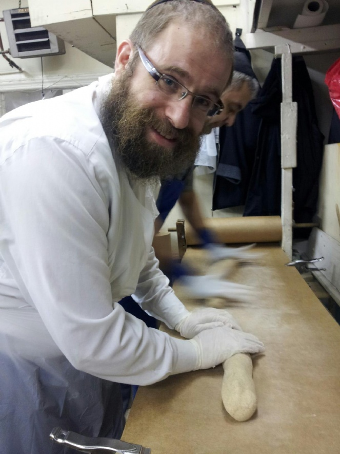baking matzah passover 5773.jpg